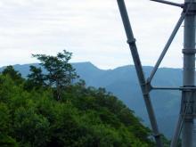 鉄塔から苗場山