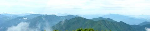 仙ノ倉山山頂から谷川岳方面のパノラマ