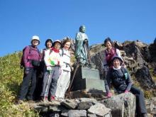 ヤマトタケル像と記念撮影