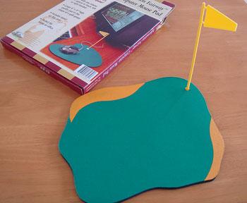 旗付き!グリーン型マウスパッド