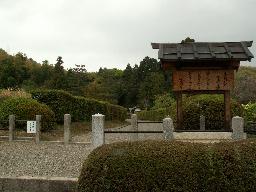083-01.jpg