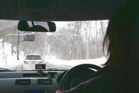 雪道で160キロ出すなんて…