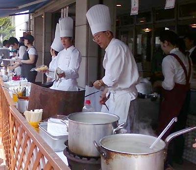 洋菓子・フランス料理で有名な『こけし屋』