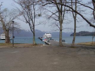 朝の十和田湖(3)