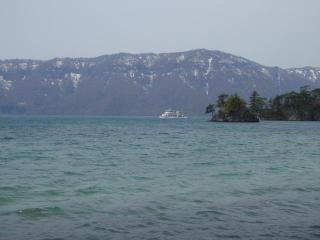 朝の十和田湖(4)