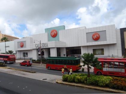 グアムの繁華街(2)