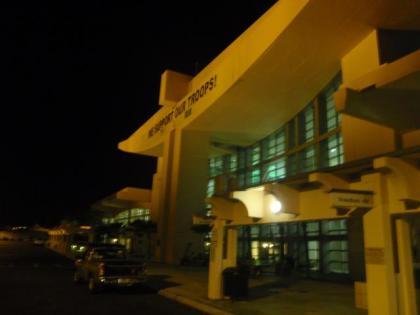 深夜3時過ぎのグアム空港