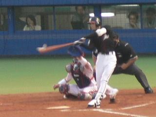フェンス直撃のタイムリー2塁打のコバヒロ