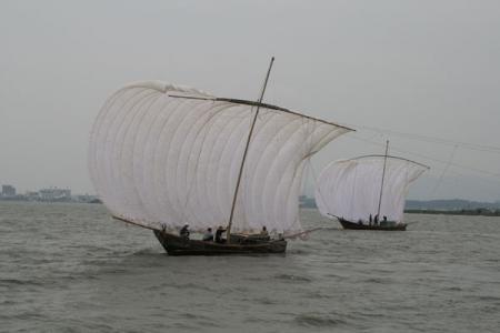 観光帆引き船