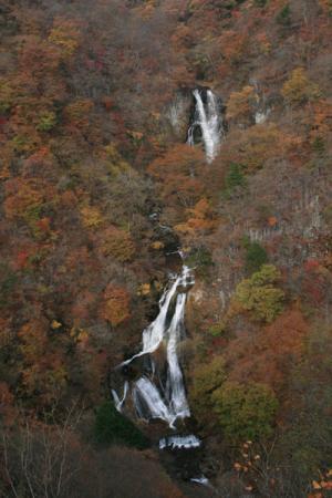 霧降ノ滝の秋