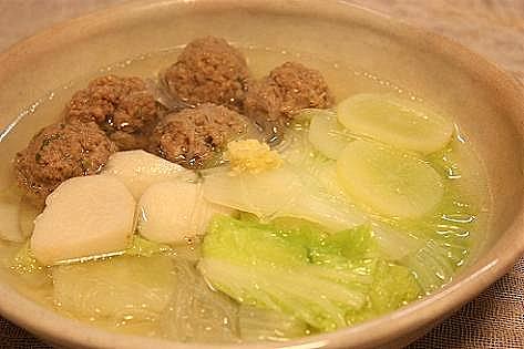 白菜と肉だんごのスープ♪