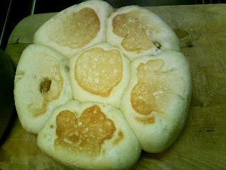 初めて作ったパン