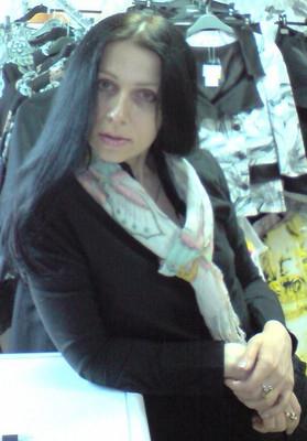 Lara45.jpg