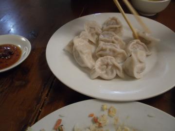 北京にて 紅劇場前の食事3