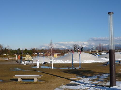 トランポリン公園