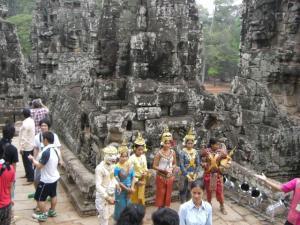 Angkor Tom & Bayon アルバイト中の人たち