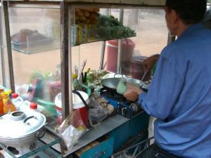 Angkor Tom & Bayon 出たところにあるうまいめし屋