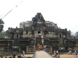 Angkor Tom & Bayon を出て少し歩いたところにある