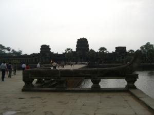 Angkor Wat 入口から