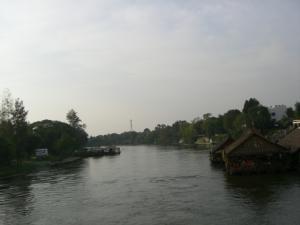 クウェー川鉄橋から見たクウェー・ヤイ川