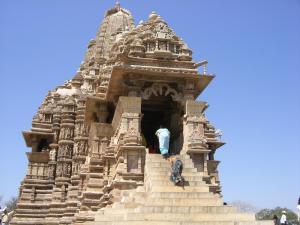 カンダーリヤ寺院
