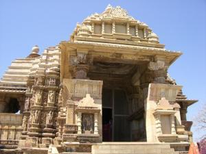 デーヴィー・ジャクダンベ寺院