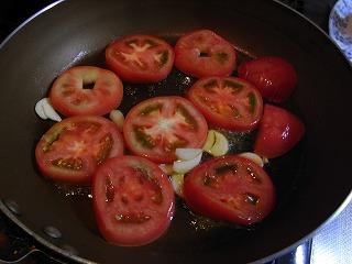 トマトを焼く