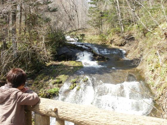 恵庭市ラルマナイの滝です。