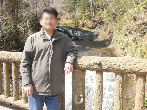 ラルマナイの滝で記念撮影です。