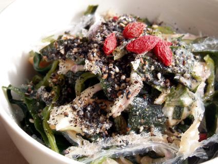 玉ねぎ海草サラダ02