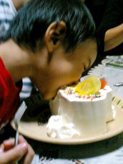 バースディケーキ