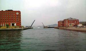 門司港はね橋