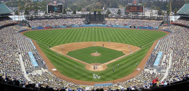 800px-Dodger-Stadium-Panorama-052707.jpg