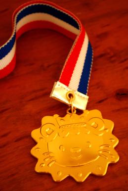 メダル B