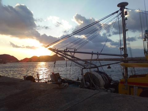 100105港の夕陽