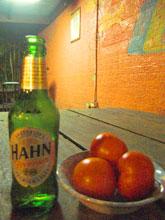 ビールのつまみはもちろん旬の超フレッシュなトマトですよねー