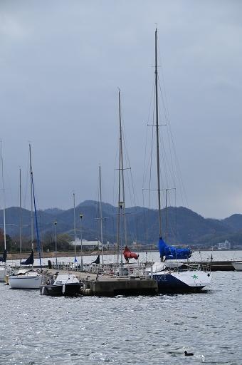 米子港に停泊中のヨット