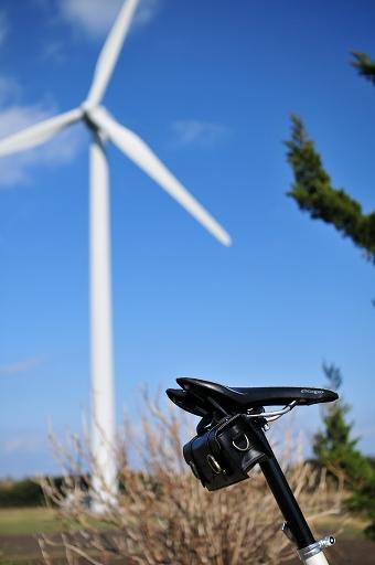 駐車場から風車を望む