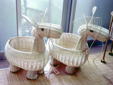 籐手芸 馬のかご