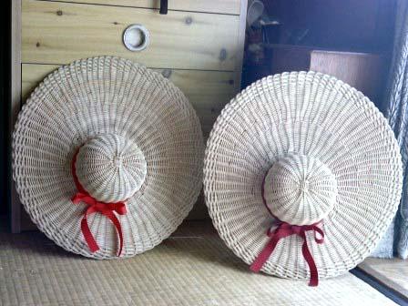 籐手芸 帽子の壁飾り 2