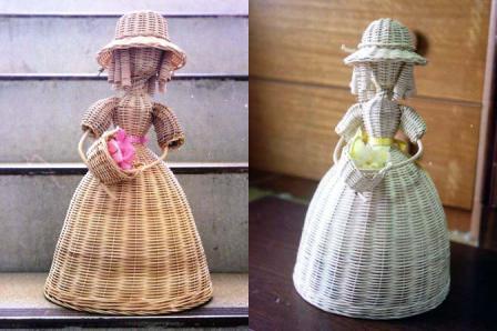 籐手芸 花かごを持つ人形