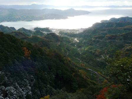 法華津峠からの風景 (普通列車・キハ185系)