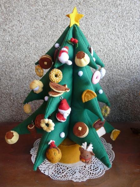 フェルトのクリスマスツリー 2008