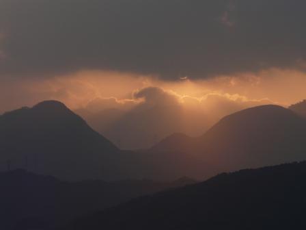 龍沢泉から見た朝日 1