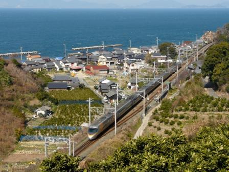 大浦駅付近 8000系特急電車 3
