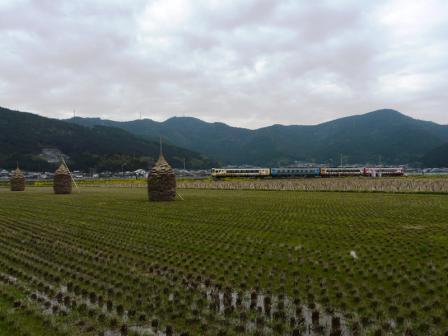 伊予石城駅付近 アンパンマン列車・2000系 1