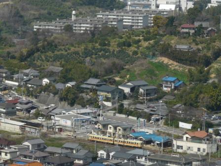 松山総合公園・展望塔から 伊予鉄道・郊外電車 1