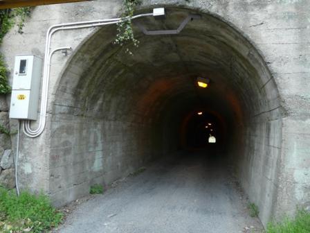 内の浦トンネル 1