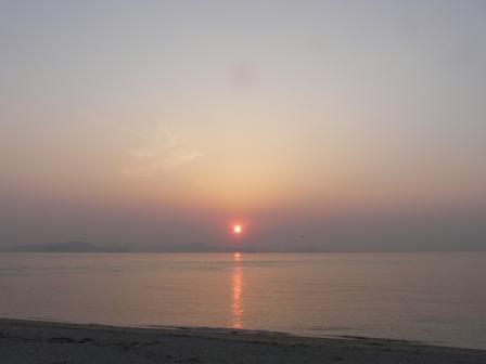 モンチッチ海岸 春の夕景 1