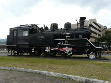 内子駅  C12 (蒸気機関車) 1